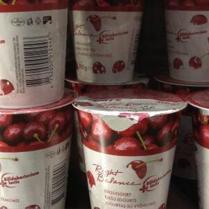 Йогурт вишневый 390 г ЭСТОНИЯ